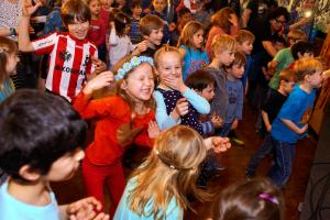 Erdmöbel Weihnachten.Kulturkirche Für Kinder Weihnachtskonzert Mit Erdmöbel